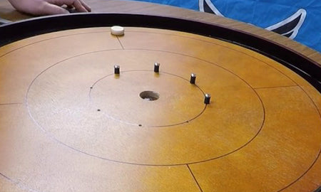 VIDEO: Crokinole Wooden Pegs VS Rubber/Screw Set
