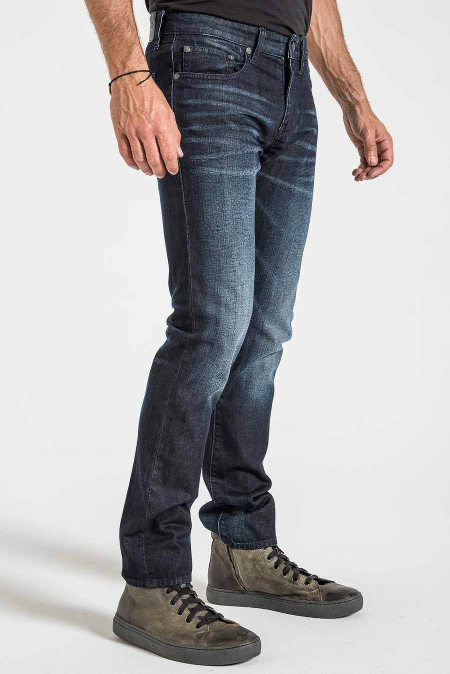 BARFLY SLIM IN BRITAIN DISTRESSED DENIM