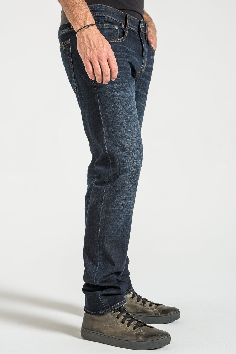 BARFLY SLIM IN QATAR DENIM