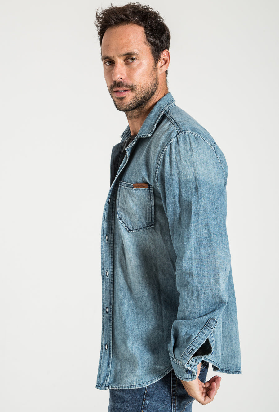 BUTTON DOWN DENIM SHIRT IN AMERICA WASH