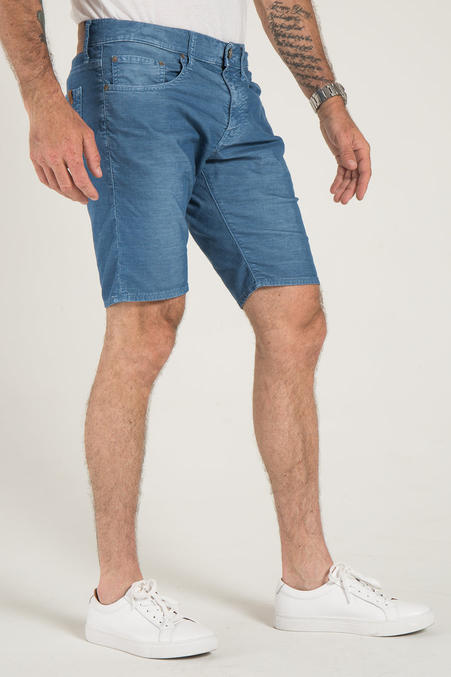 ROLL-UP SHORT IN RUSTIC CORDUROY