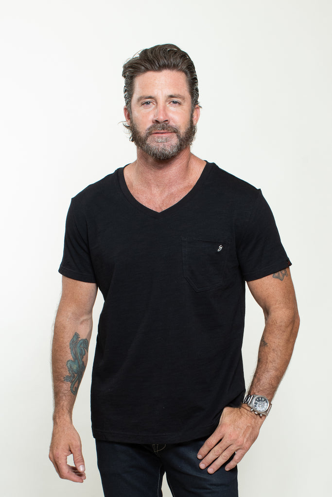 KNITTED SHORT SLEEVES T-SHIRT IN BLACK