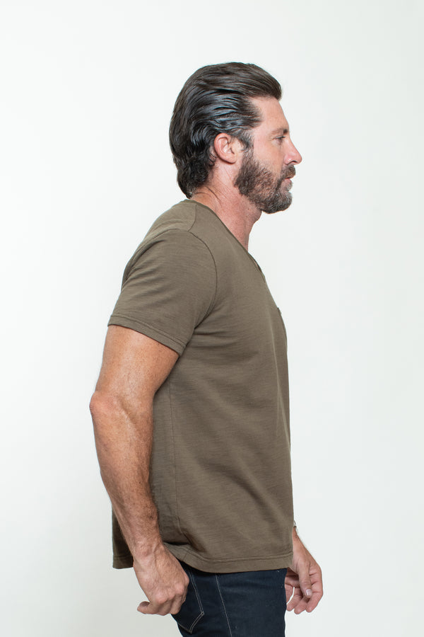 KNITTED SHORT SLEEVES T-SHIRT IN MILITARY GREEN