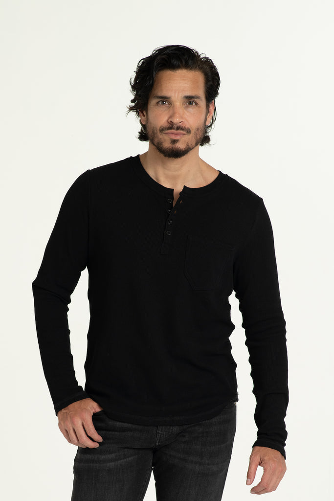 KNITTED HENLEY T-SHIRT IN BLACK