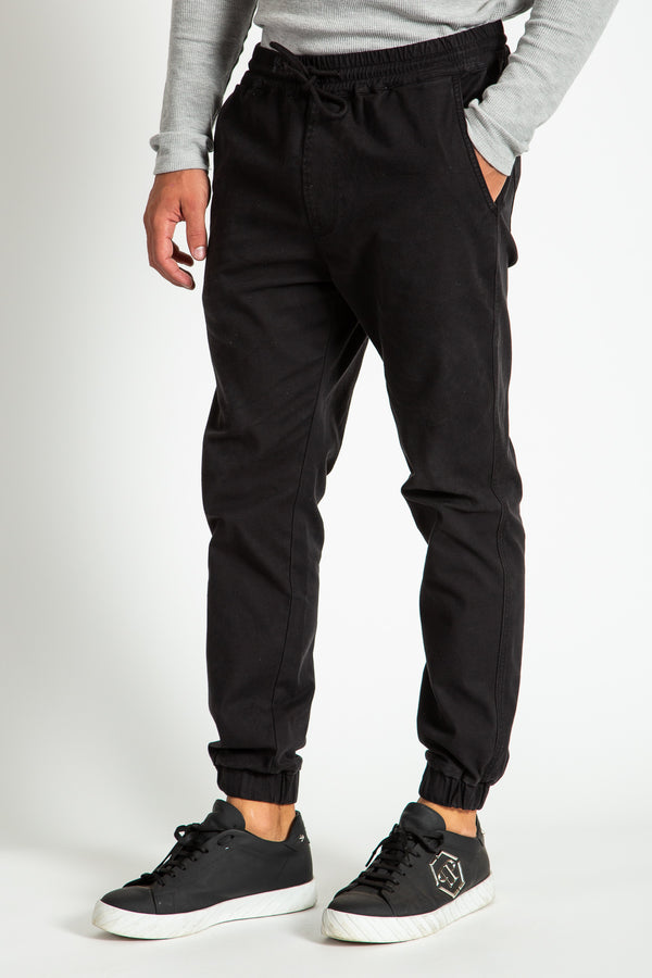 JOGGER PANTS IN BLACK