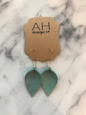 Teal Pinched Tear Drop Earring