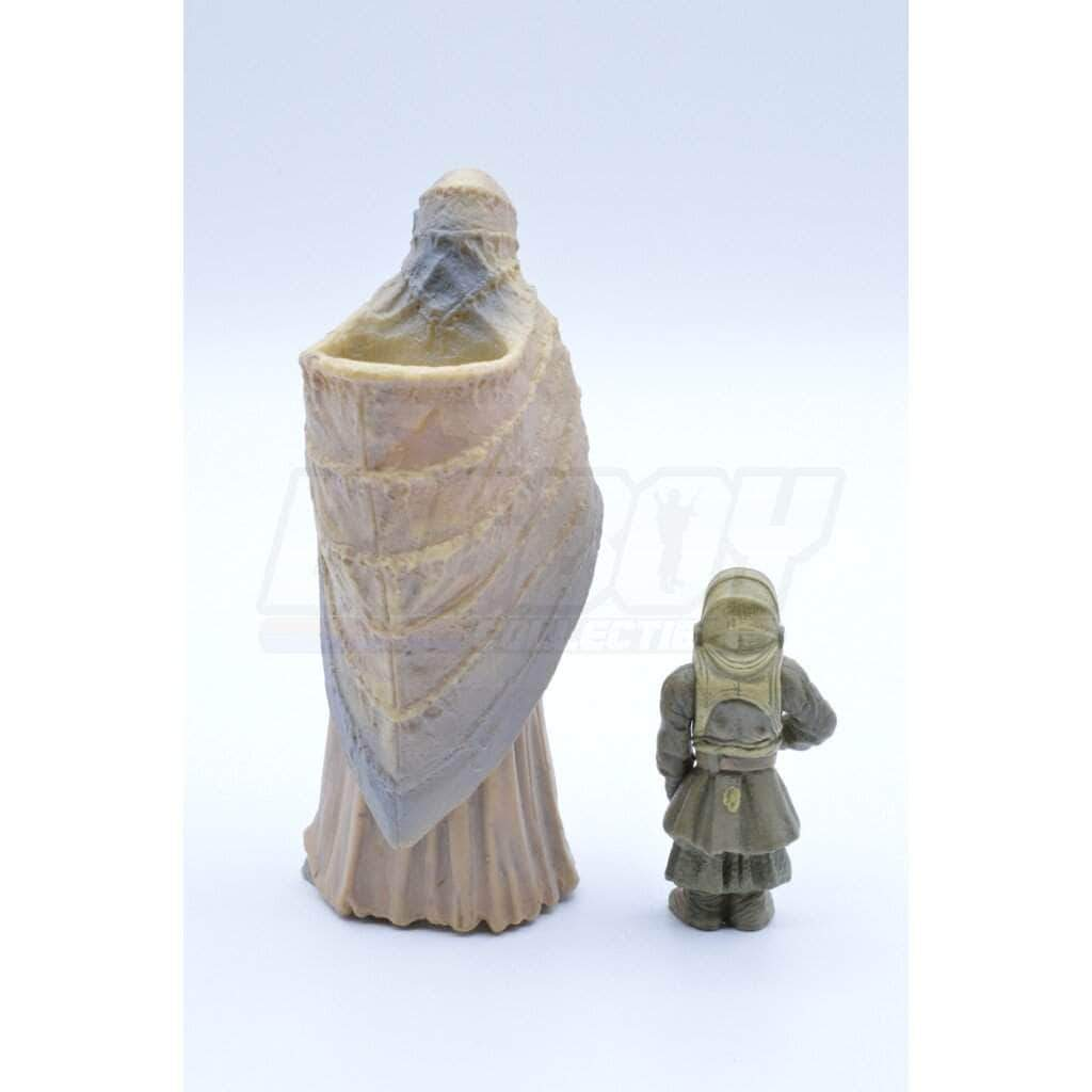 kenner Star Wars Attack of the Clones Tusken Raider Female with Tusken Child (2002)
