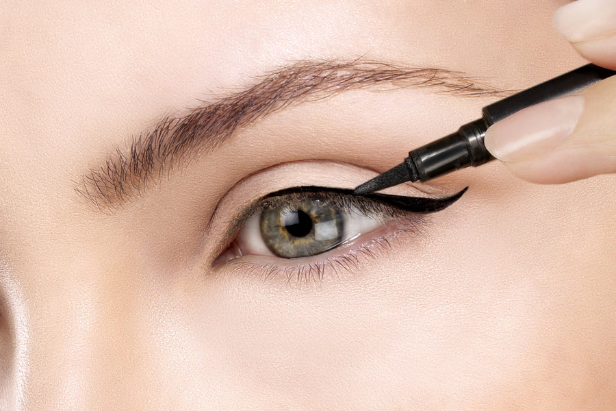How To Apply Liquid Eyeliner With Perfection