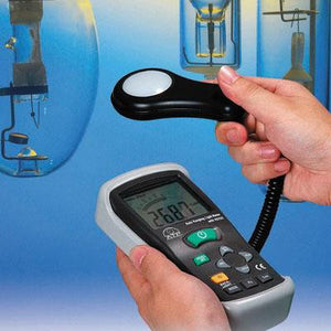 DIGITAL LUX METER / LIGHT METER