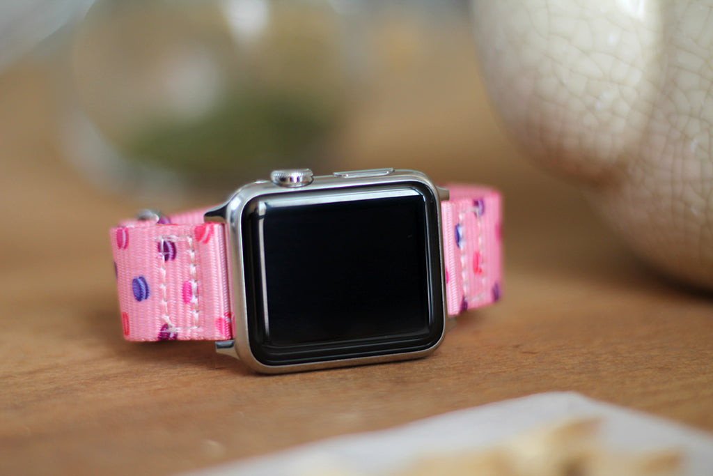 apple watch with vario macaron dots nato strap