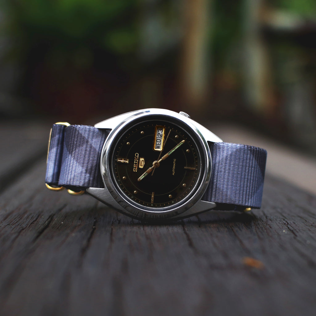 vario mono plaid nato strap on vintage seiko 5 watch