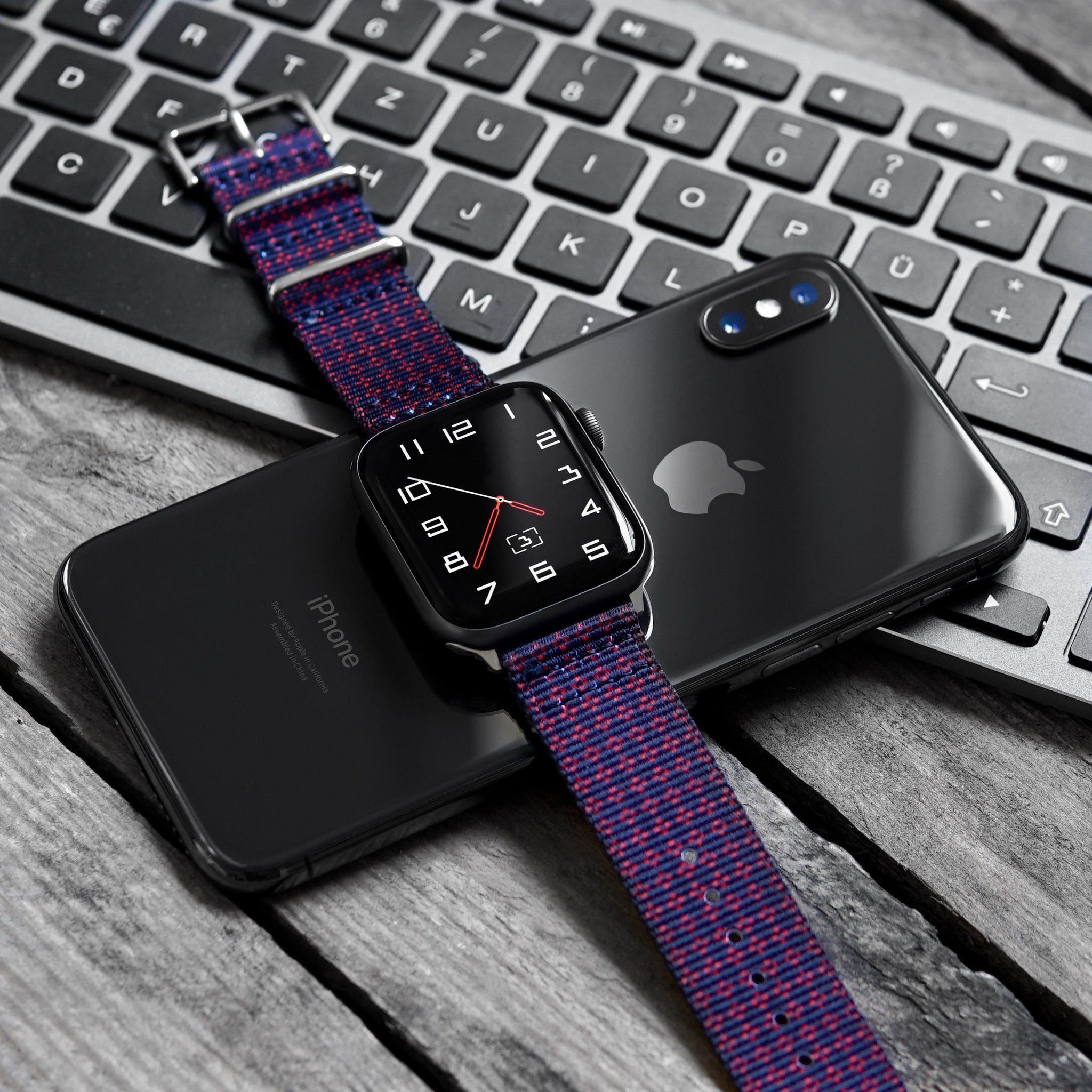 apple watch on vario graphic nato strap