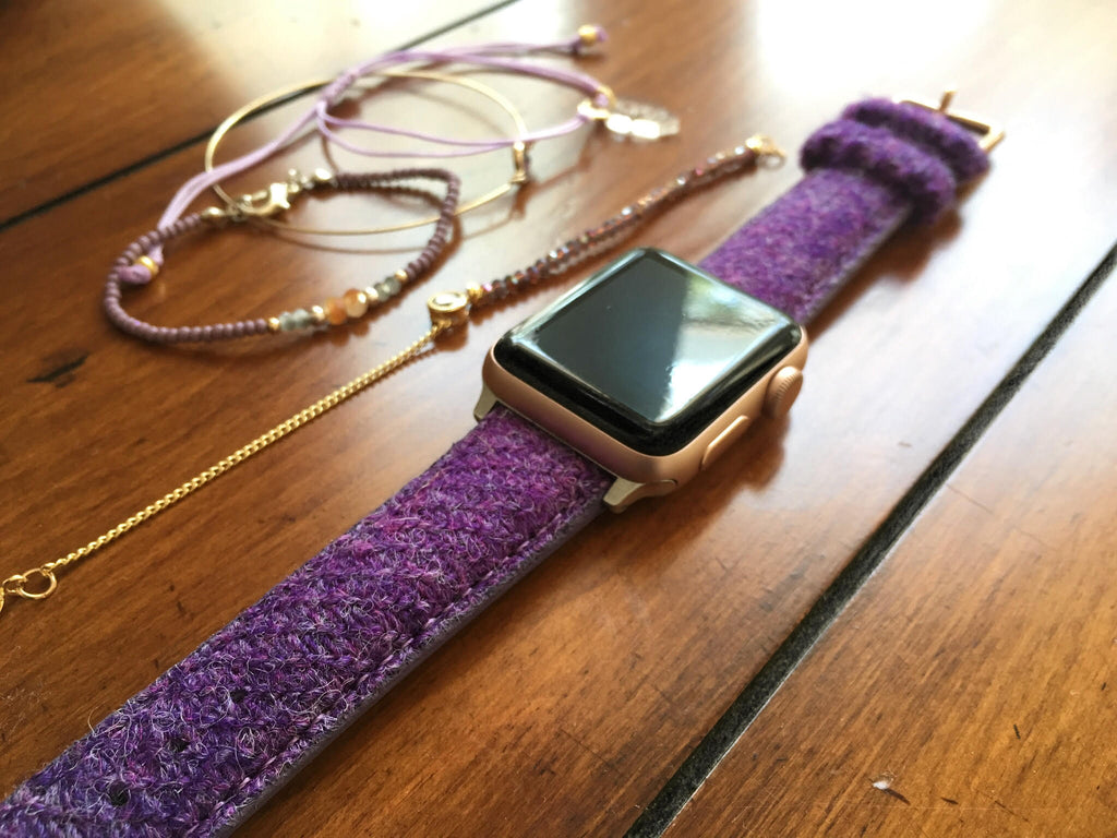 Apple watch with Vario Harris Tweed strap by @feyandherwatch