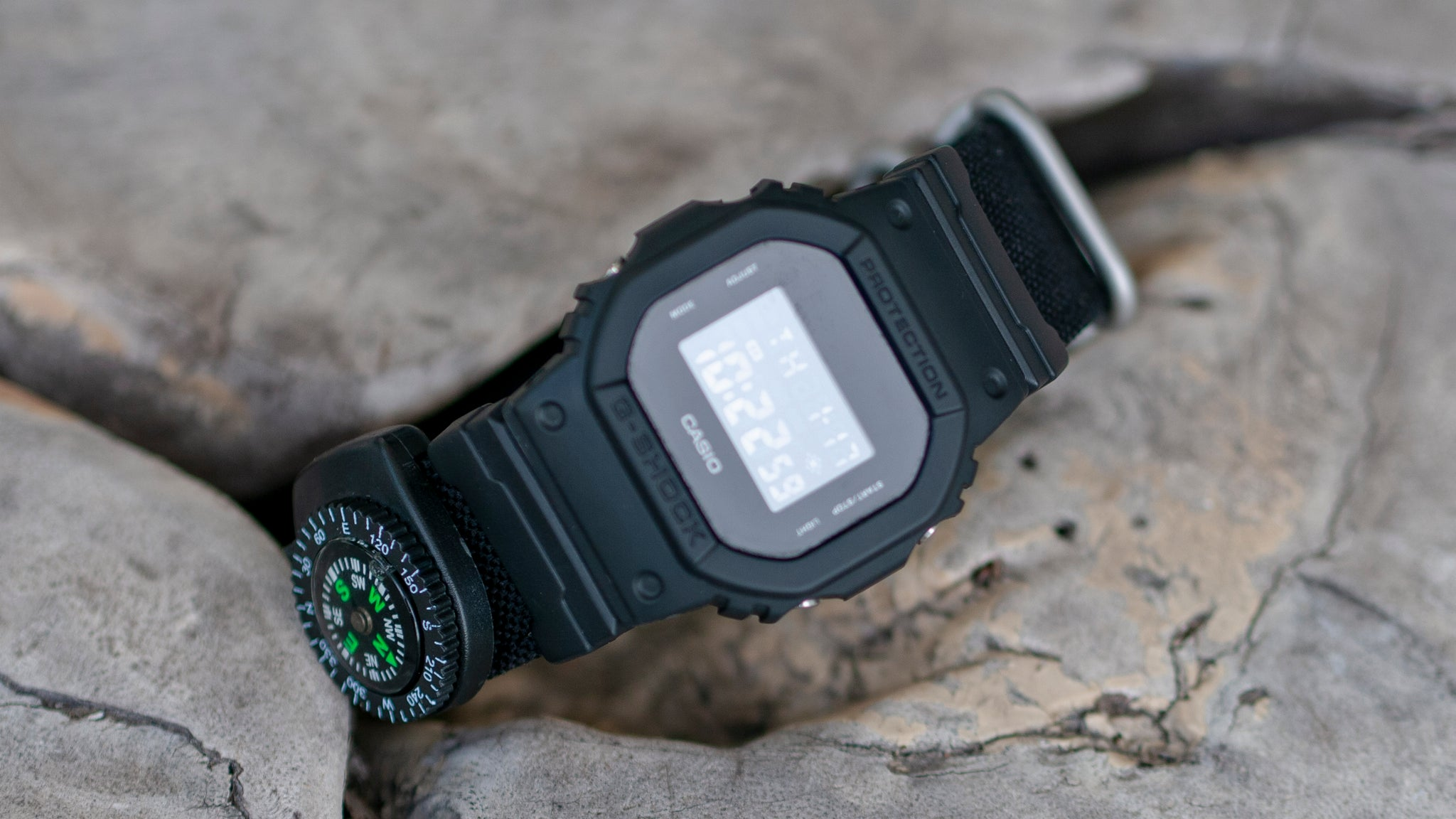 gshock dw5600 avec sangle vario cordura