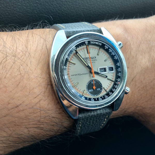 seiko chronograph on vario italian leather watch strap