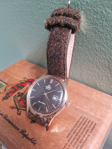 orient bambino on vario harris tweed strap