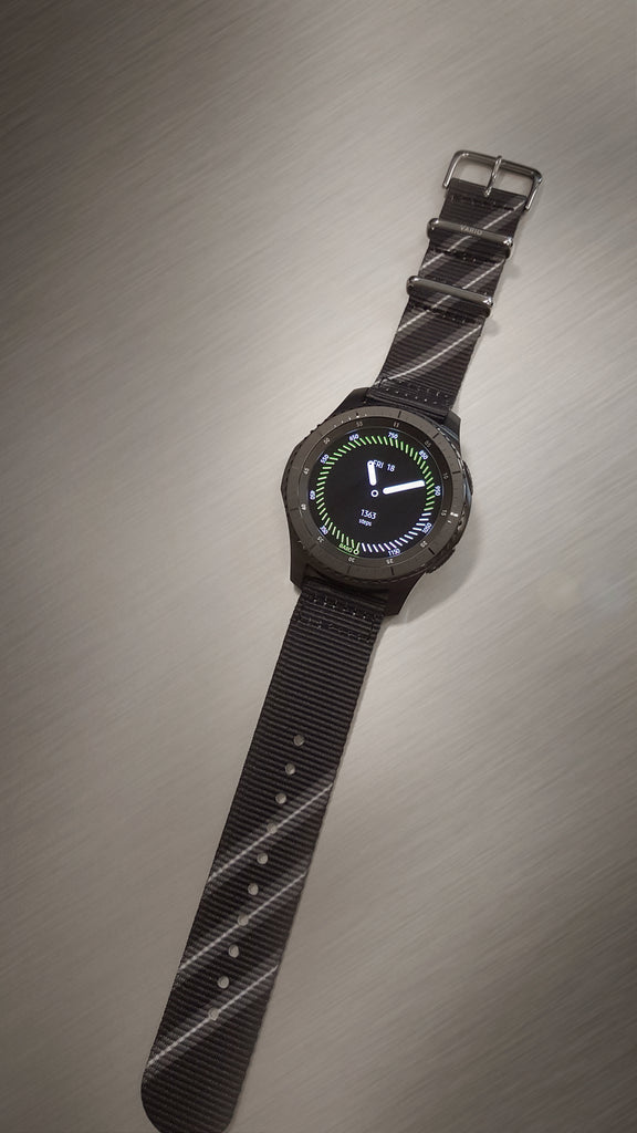 Samsung gear s3 with vario black razor nato strap