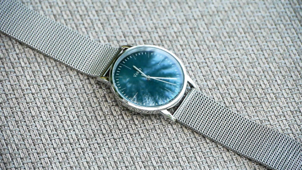 vario eclipse watch with milanese mesh bracelet
