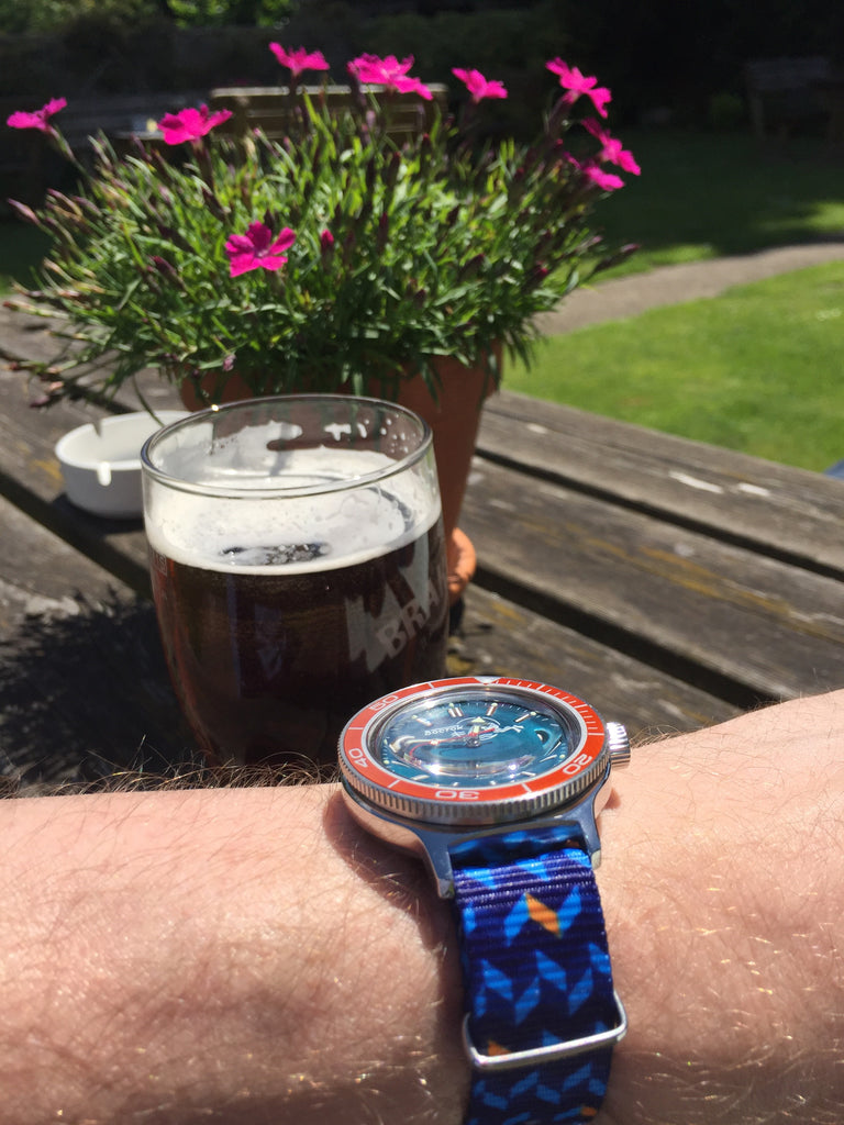 How about a beer on Friday with Vostok watch and Vario graphic nato watch strap. Photo by #varioeveryday member @gjphil