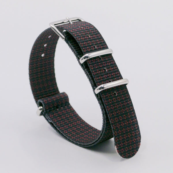 vario clover rouge graphic black nato strap