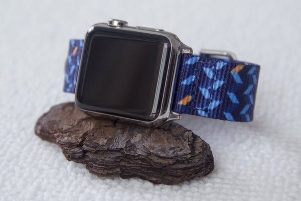 apple smart watch with vario ocean chevron nato strap