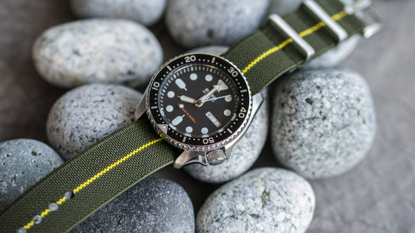 vario elastic nylon nato strap green yellow on seiko skx dive watch