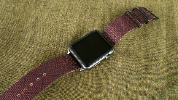 Vario Batik Quad Grafik Maratac Nato Uhrenarmband für Apple Watch