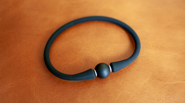 vario black agate on black silicone bracelet