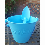 Scrunch spade blue with matching bucket
