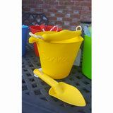 Yellow scrunch spade with matching bucket