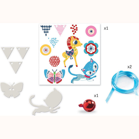 Kitten and Pony - Shrinkable Jewellery Set, some contents displayed