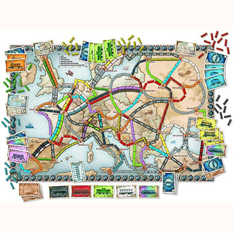Ticket To Ride: Europe, board and contents unboxed