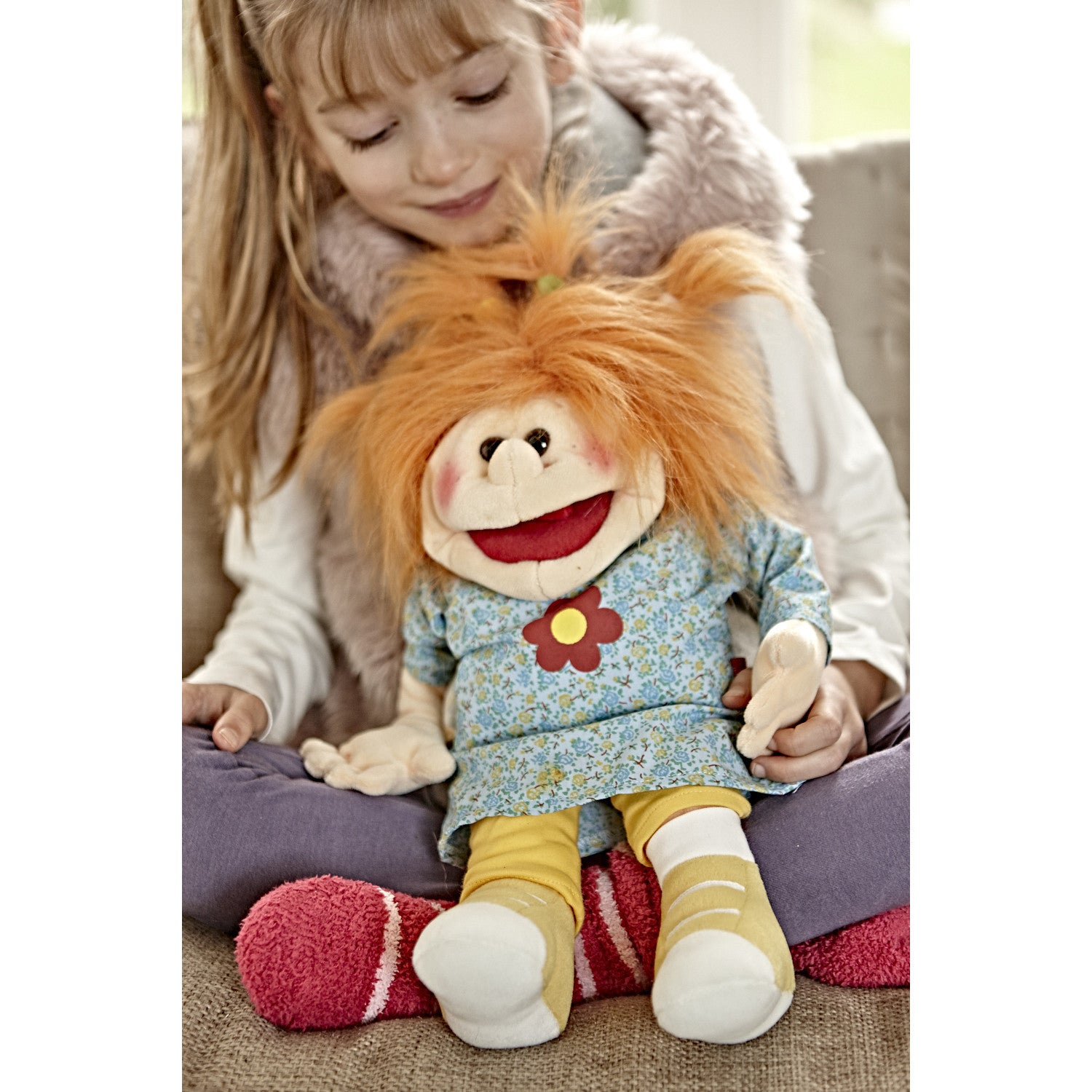 Little Hanna Living Puppet with sitting child