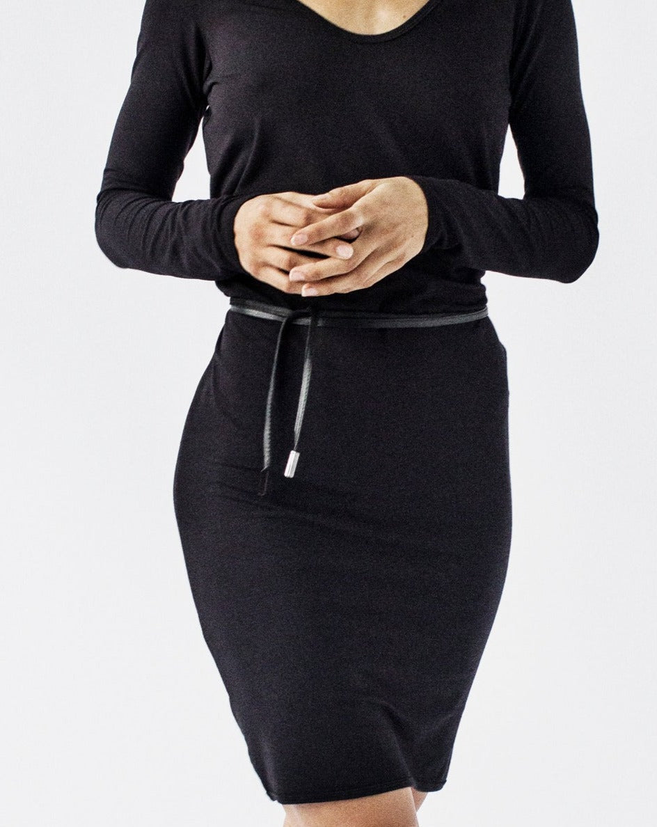TIA Long Sleeve Scoop Neck Semi-Fitted Viscose Jersey Dress