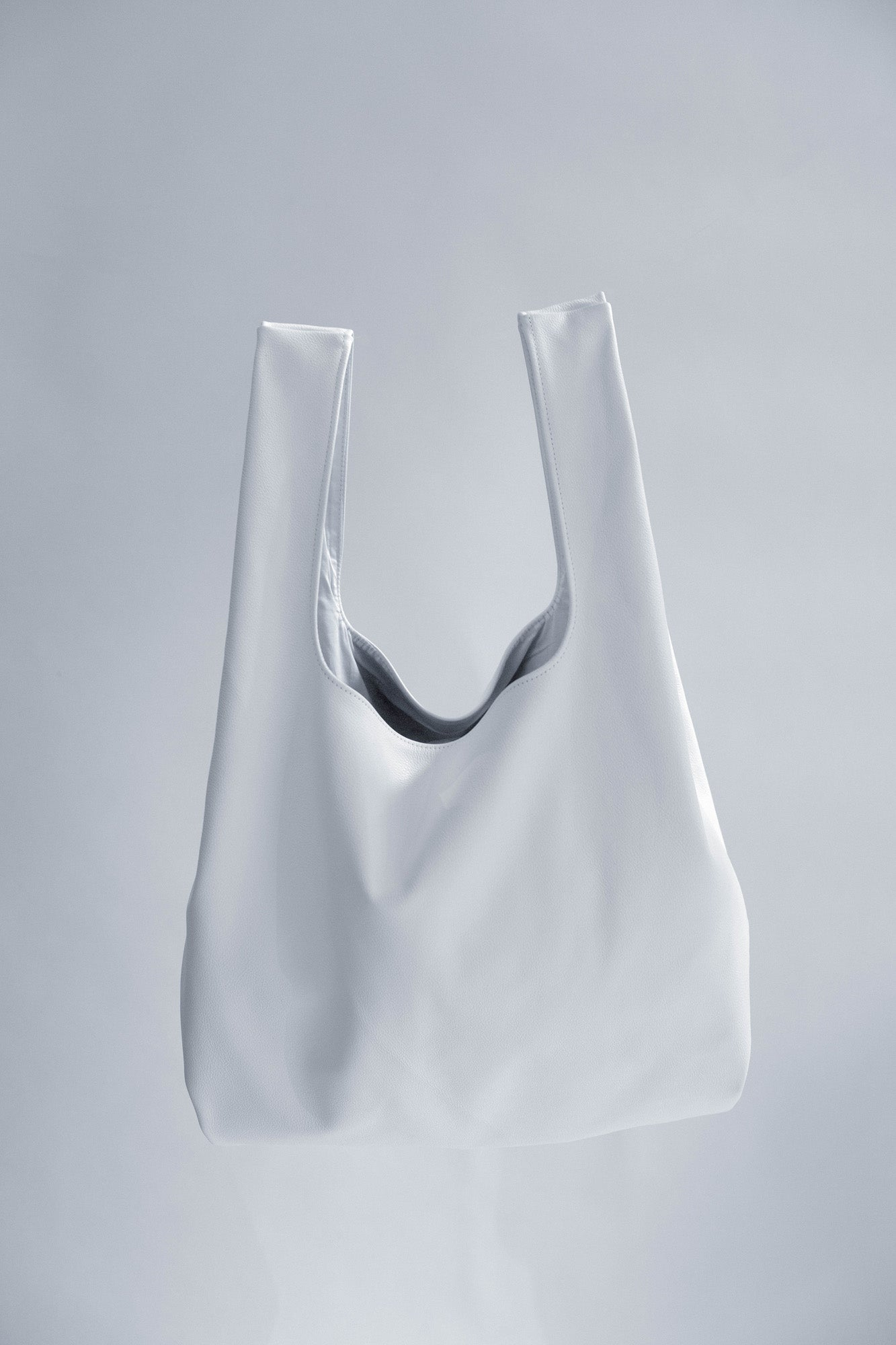 NOT SO PLASTIC BAG - Large White Leather Tote