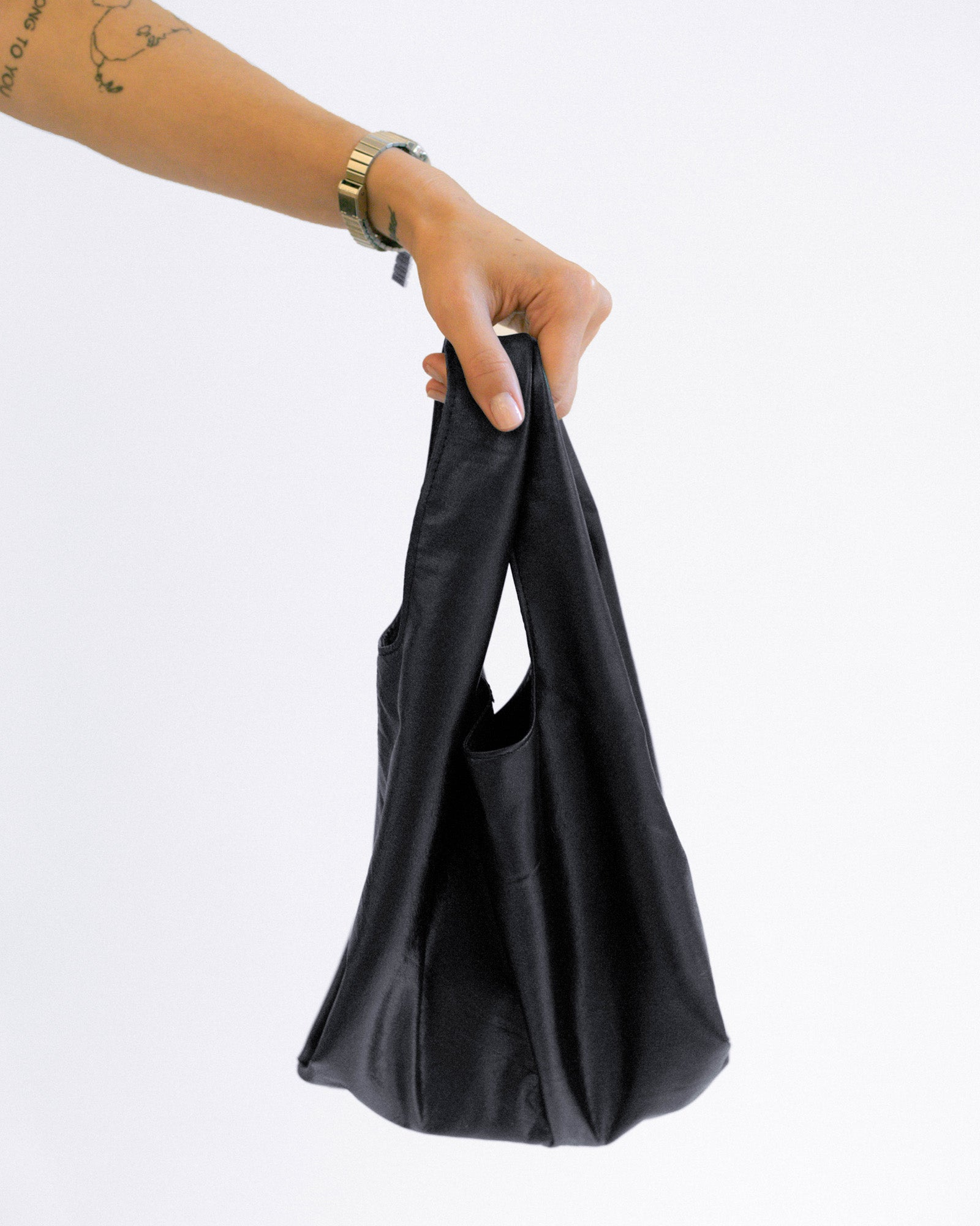 NOT SO PLASTIC BAG - Small Black Plonge Leather Tote