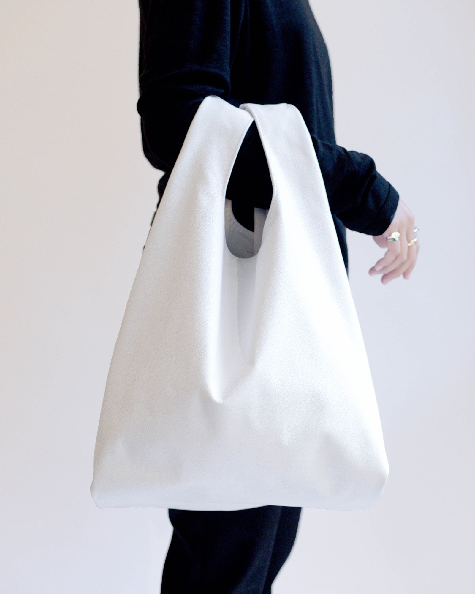 NOT SO PLASTIC BAG - Medium White Leather Tote