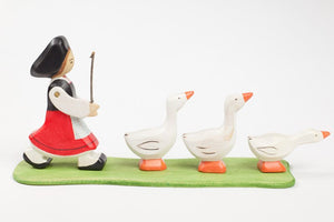 Atelier Des Peupliers Girl and Geese