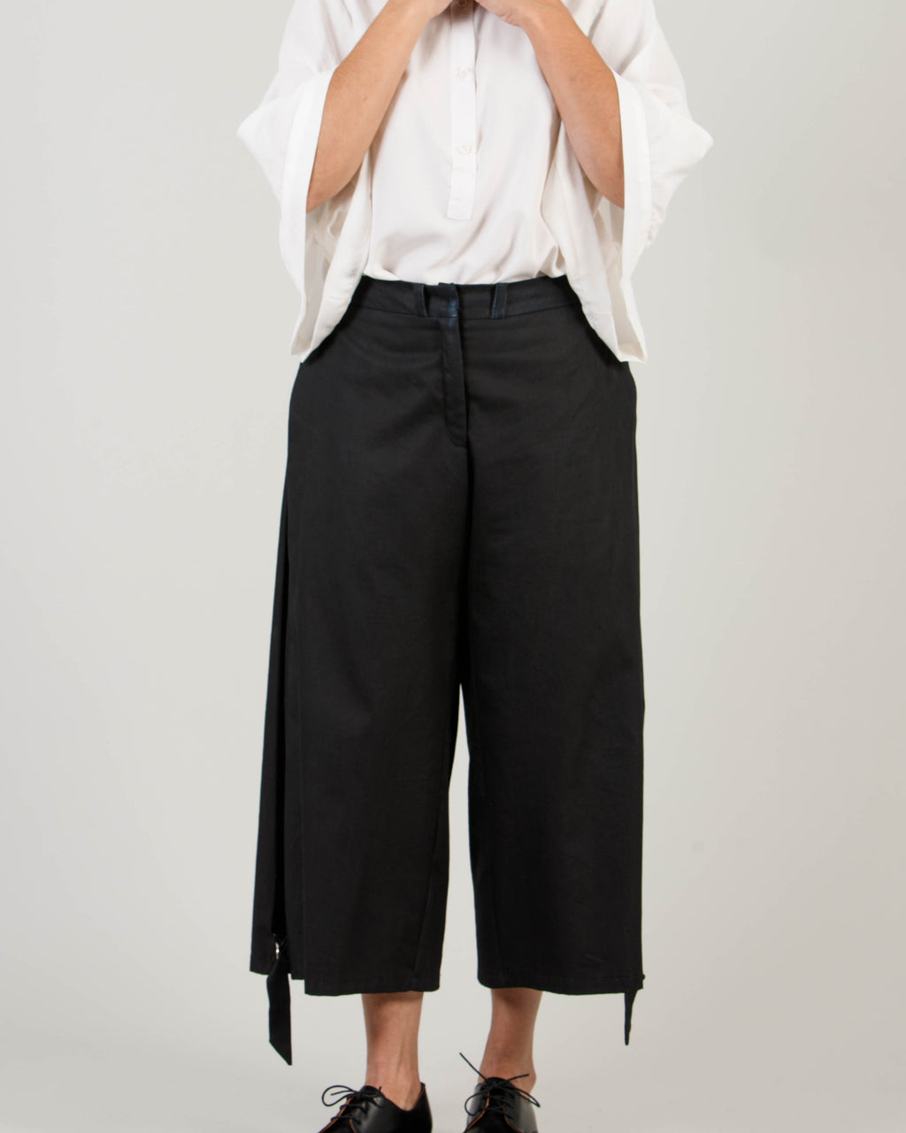 Side Pleat Trousers - T19W - MAE MAZE