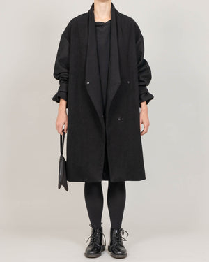Low lapel coat. - MAE MAZE