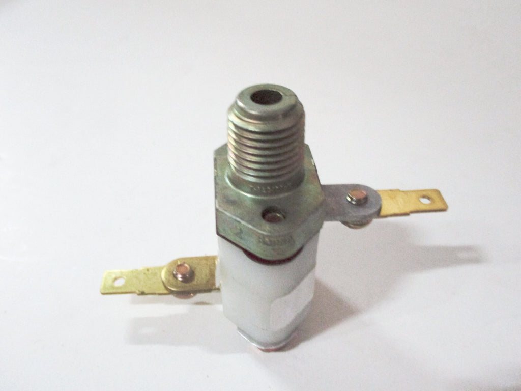 0982918 Low Pressure Switch 30 PSI - Yost Equipment Sales