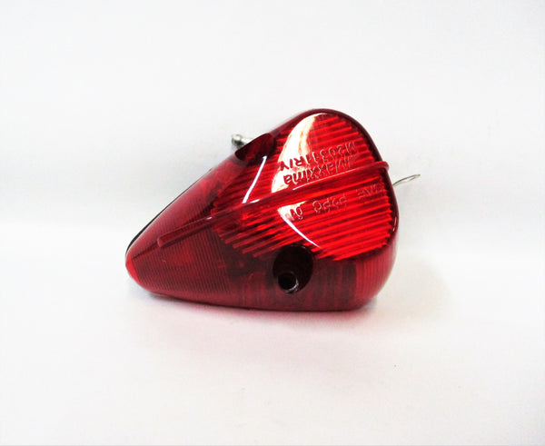 20311R Maxxima Triangular Marker & Clearance Light