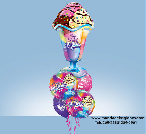 Bouquet Happy Birthday con Sunday Gigante Have a Sweet Birthday y Globos con Helados de Colores