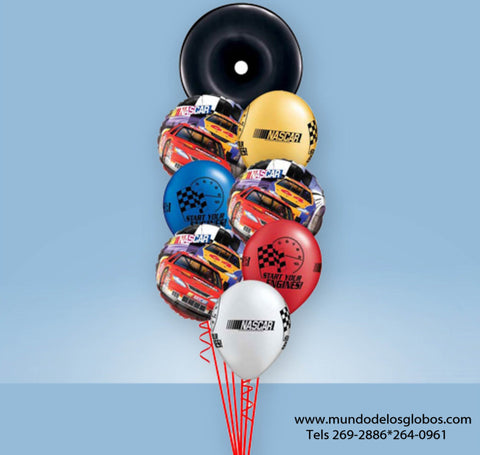 Bouquet NASCAR con Globo de Llanta, Start Your Engines!, y Globos de Colores