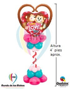 "Pedestal: Corazón Mylar ""Happy Love Day""  con base vertical látex estilizada"
