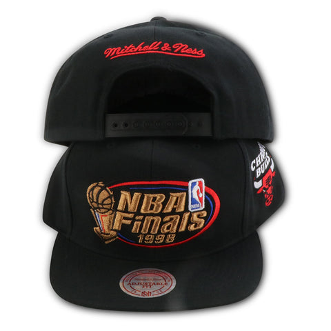 CHICAGO BULLS 1998 FINALS MITCHELL & NESS SNAPBACK (NW90Z-MTC)