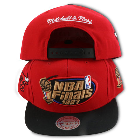 CHICAGO BULLS 1997 NBA FINALS MITCHELL & NESS SNAPBACK (VC37Z)