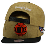 NEW YORK KNICKS TAN STRAW (202AZTNK) SNAPBACK BY MITCHELL & NESS