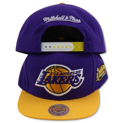 LOS ANGELES LAKERS 2001 CHAMPIONSHIP MITCHELL & NESS SNAPBACK (NM17Z)