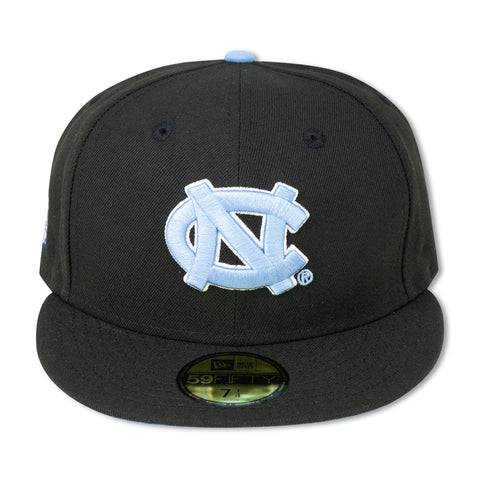 NORTH CAROLINA TARHEELS (BLACK) NEW ERA 59FIFTY FITTED (SKY BLUE BOTTOM)